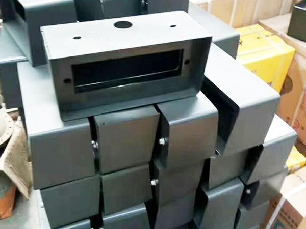 山东临工装载机配件如何防止生锈?
